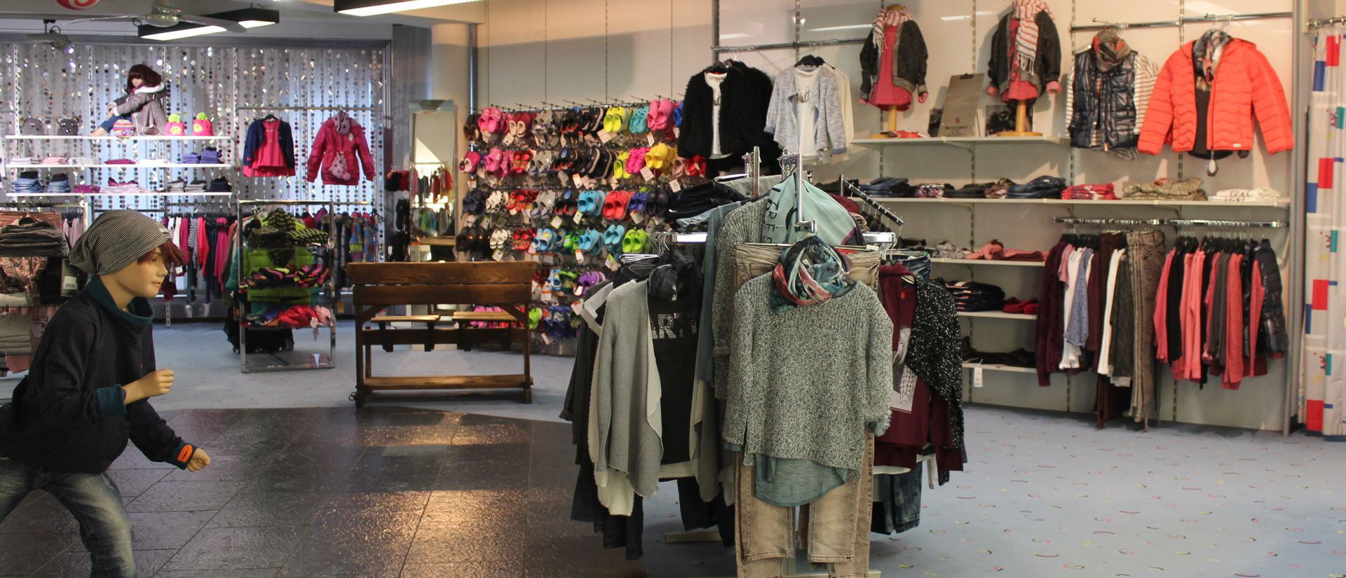 Kinderabteilung Modehaus Pöpperl Naila